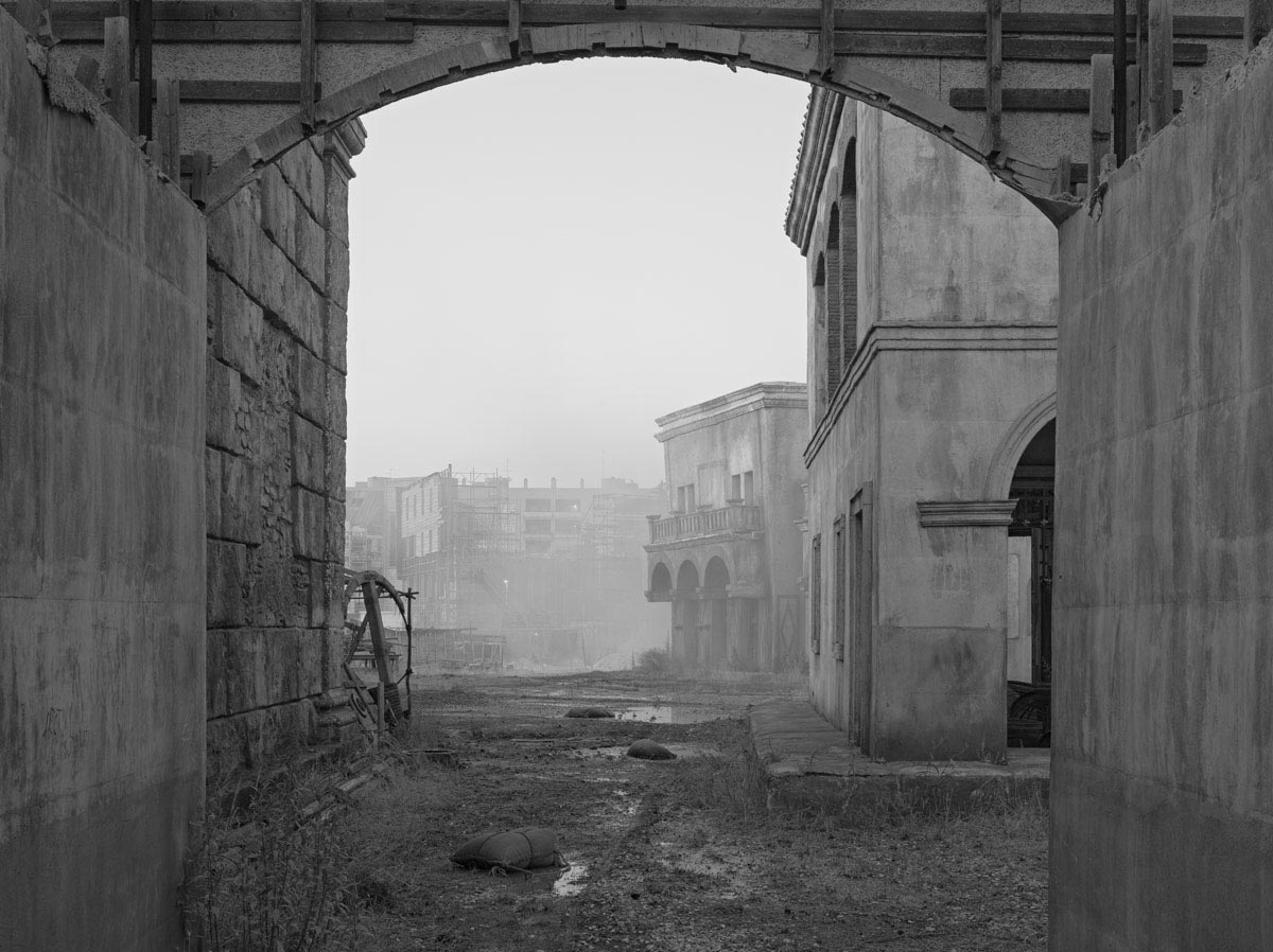 Gregory-Crewdson-Sanctuary-2