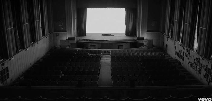 Le théâtre abandonné de Stromae